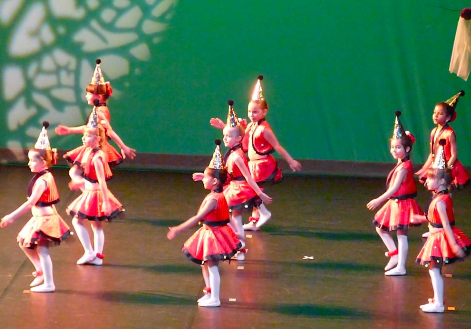 cours de danse Classique et Modern'Jazz 5 ANS Les lutins