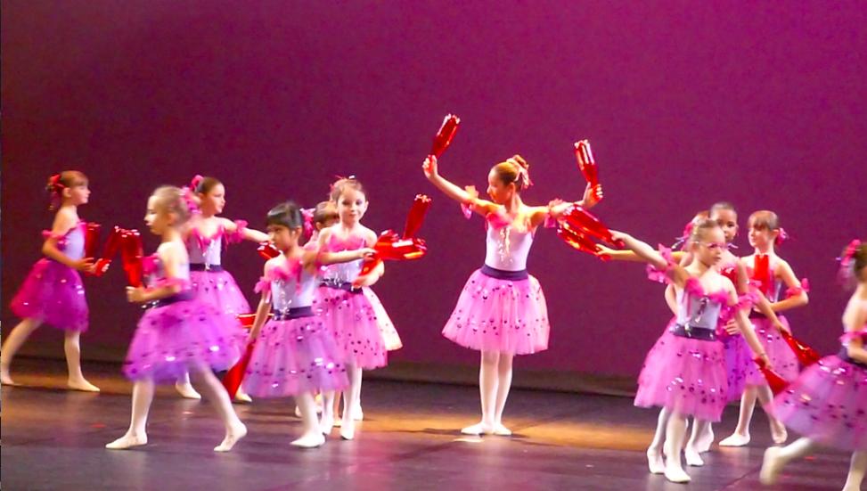 cours de danse Classique et Modern'Jazz 6 ANS Les bouteilles en plastique